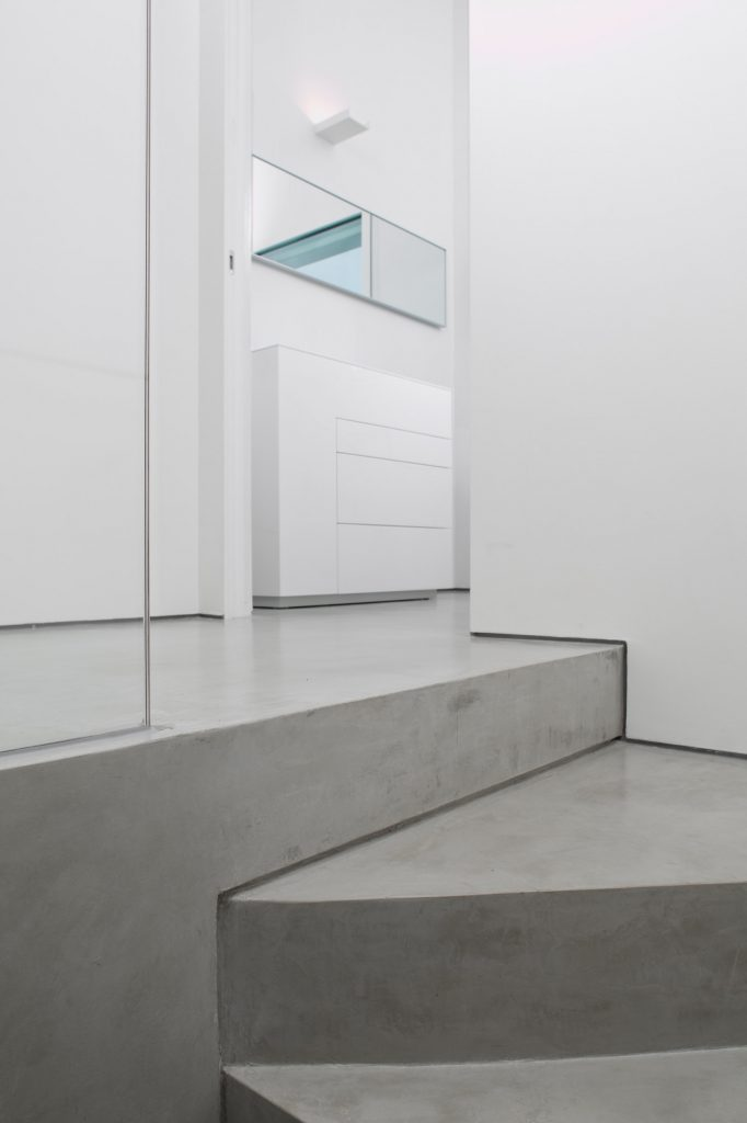 Rifare le scale in microcemento