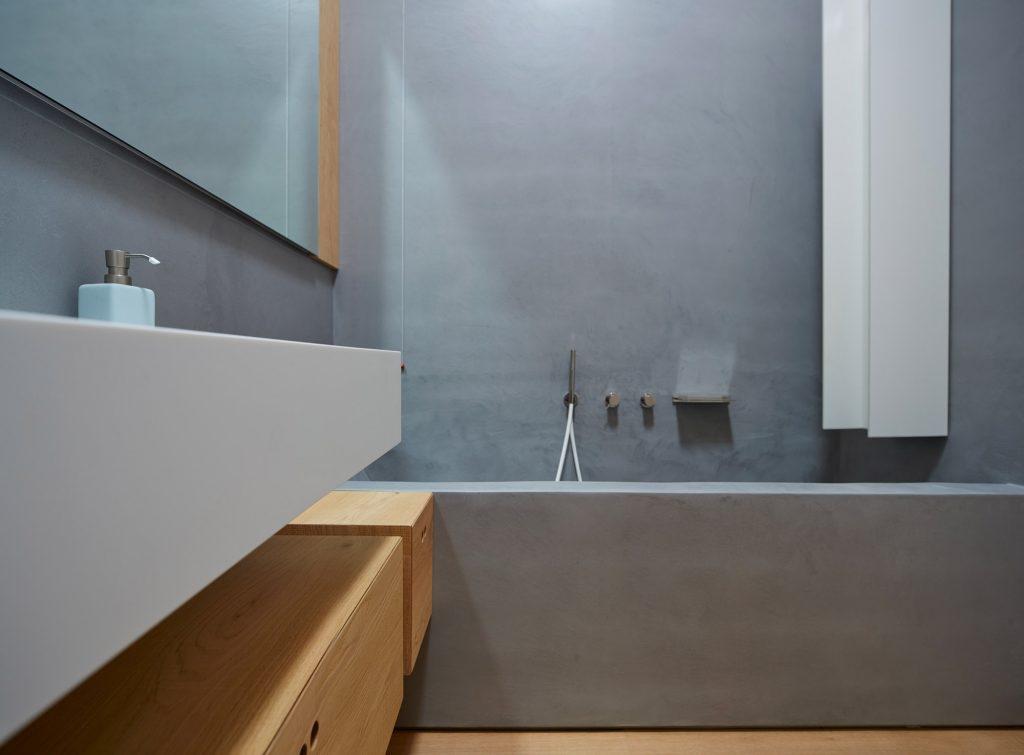 ristrutturazione di un bagno con microtopping