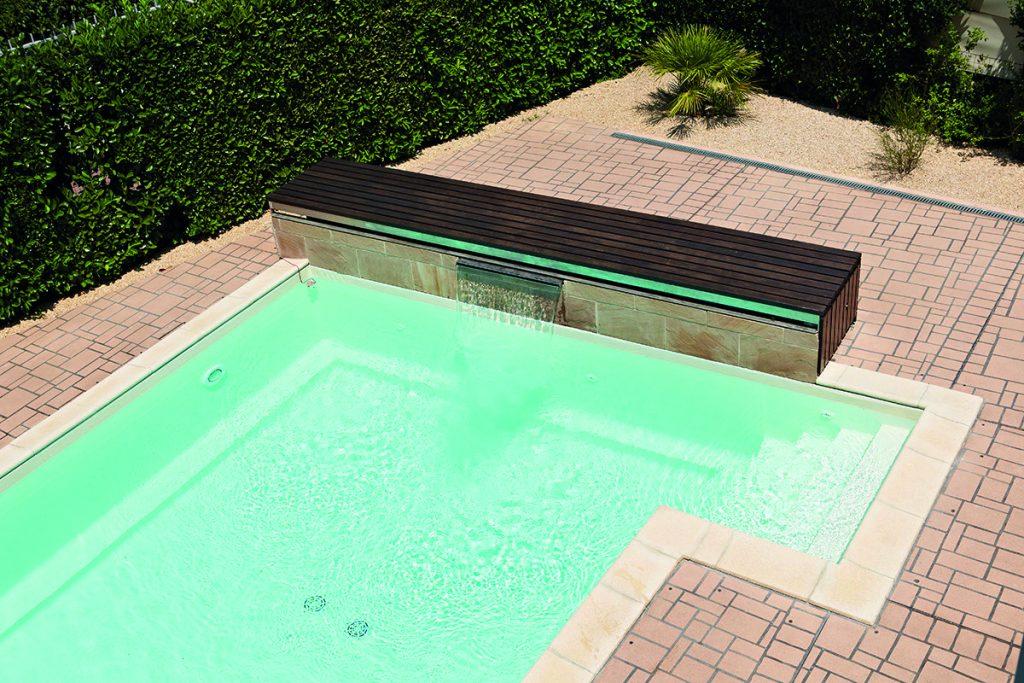 piscina con pavimento stenciltop